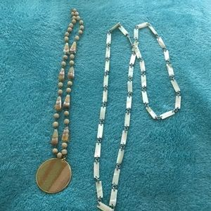 Jewelry - Set of 2 necklaces
